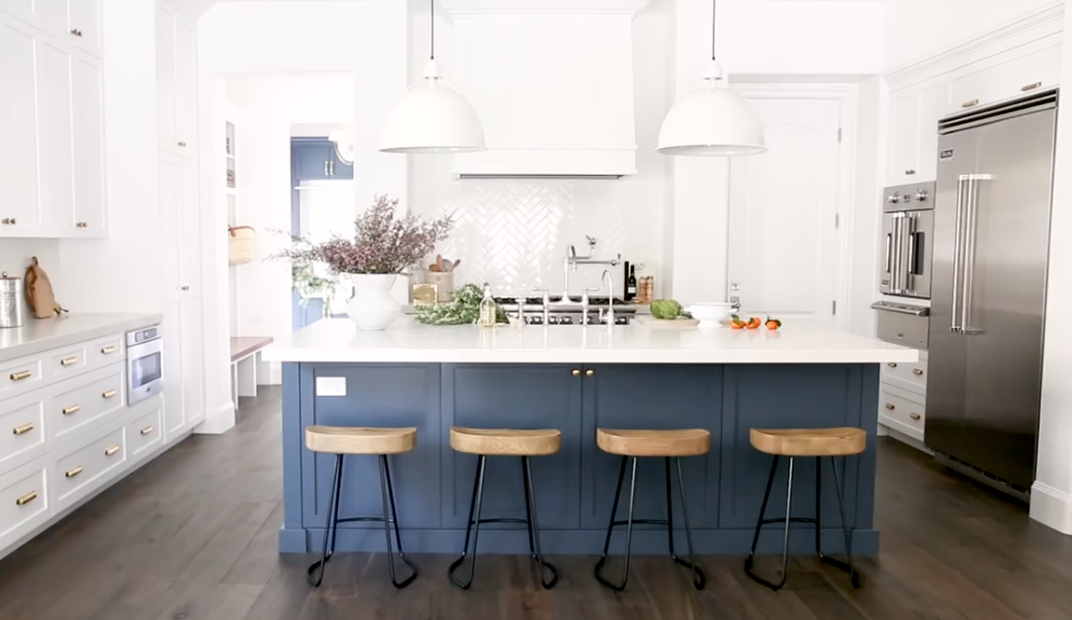 benjamin moore  blue note for all lower cabinets