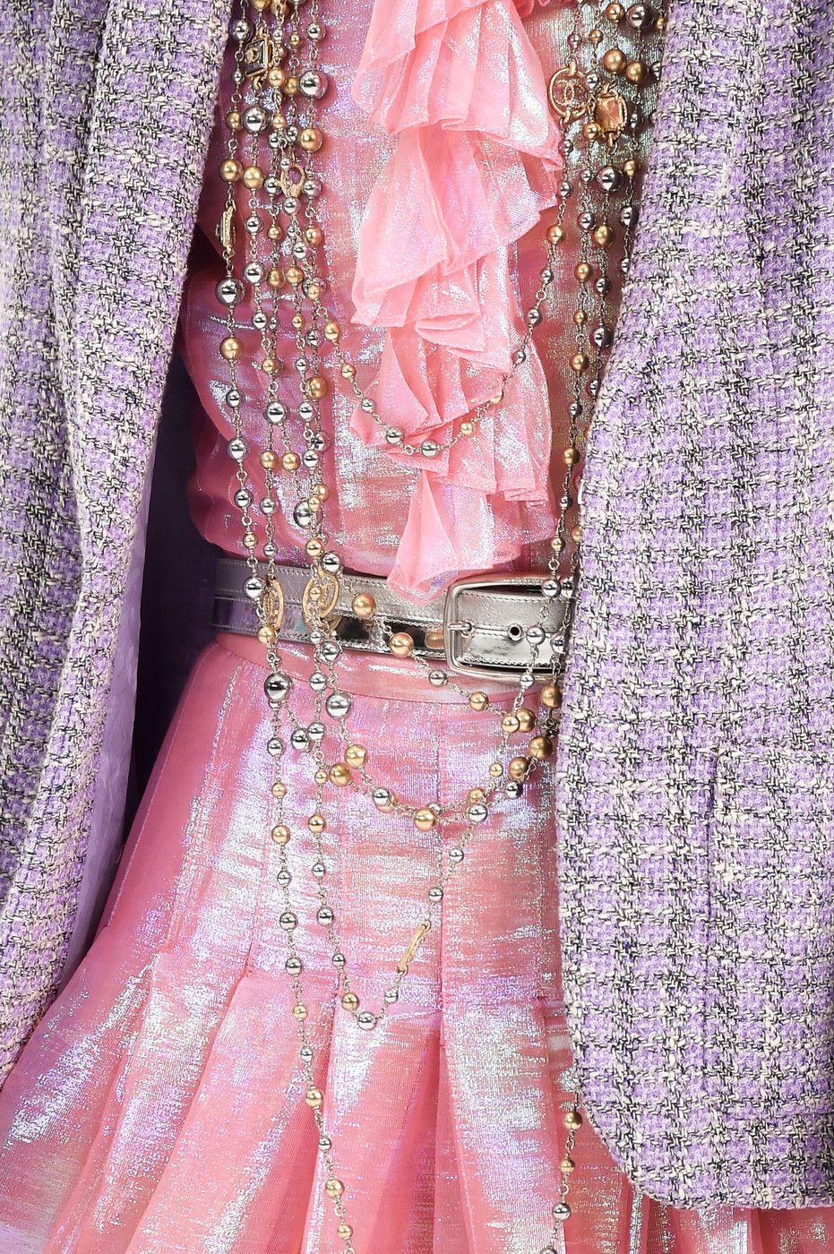 Chanel RTW SS 2016 #ChanelAirlines Visit espritdegabrielle.com   L'héritage de Coco Chanel #espritdegabrielle