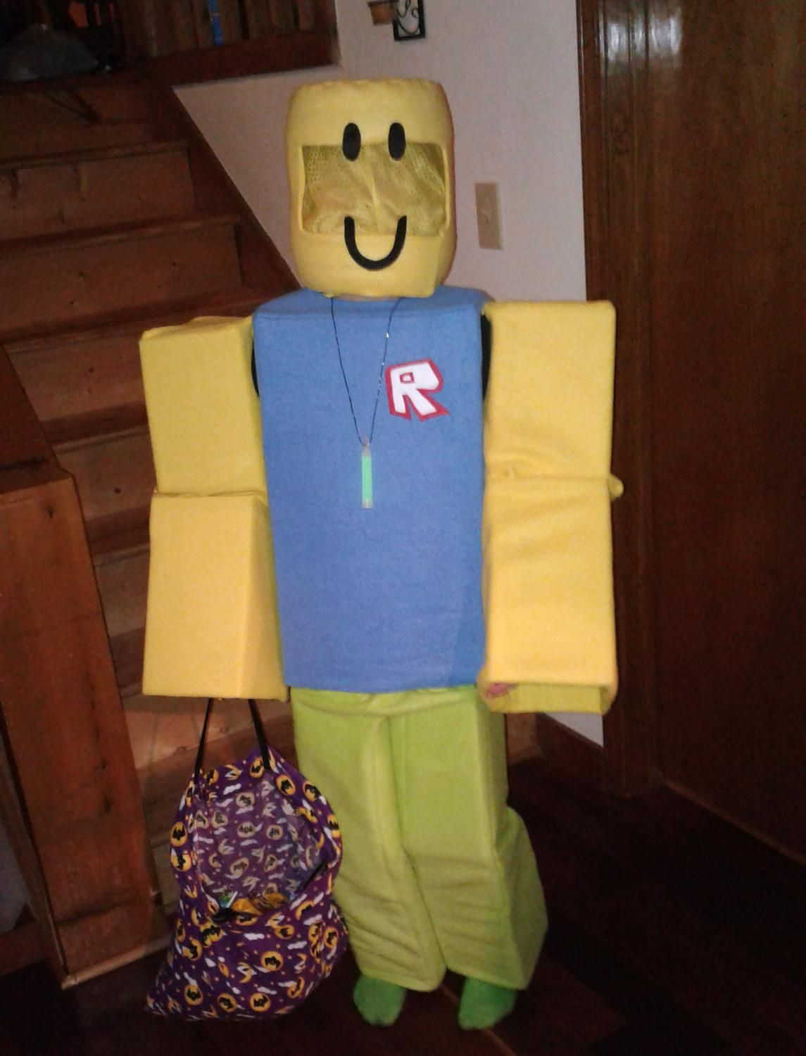 Noob Head Old Smile Roblox Roblox Halloween Costume Great Halloween Costumes Haloween Costumes Quick Halloween Costumes
