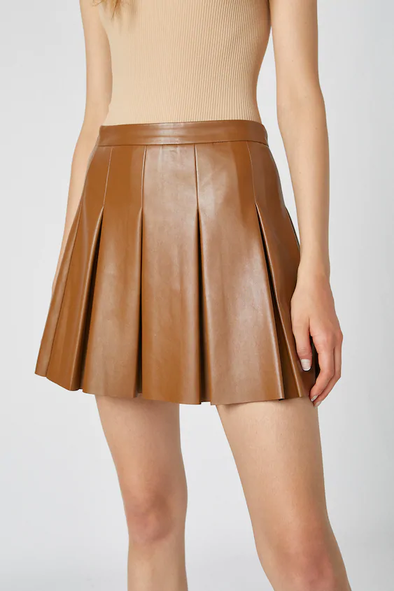 Faux leather box pleat mini skirt - PULL&BEAR in 2020 ...