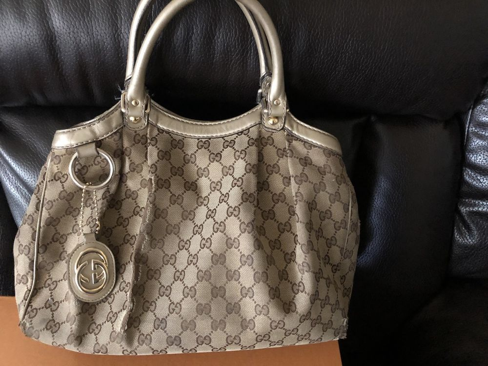 5d0552dbc76a07 Authentic Gucci Sukey Medium Beige With Gold And Canvas Tote 100% Auth  Handbag