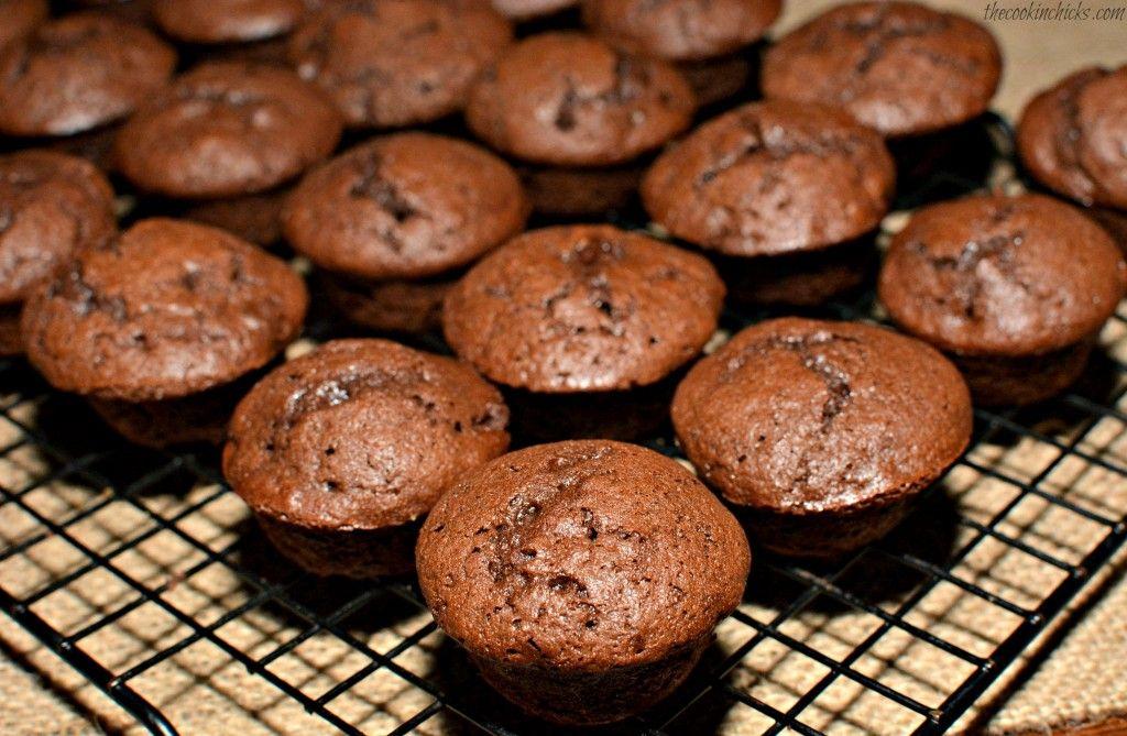 Copycat costco chocolate muffins chocolate muffins