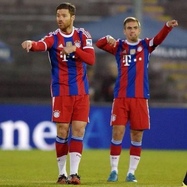 Xabi Alonso And Philipp Lahm Bayern Munich Bayern Munich Xabi
