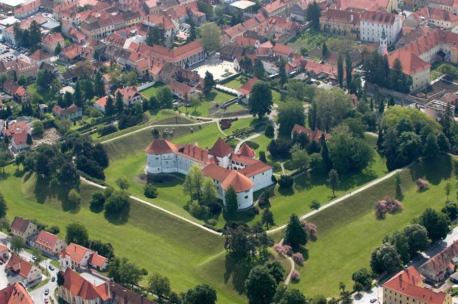 Varazdin Is A City In North Croatia 81 Km North Of Zagreb Travel Destination Croatia Travel Croatia Holiday Varazdin