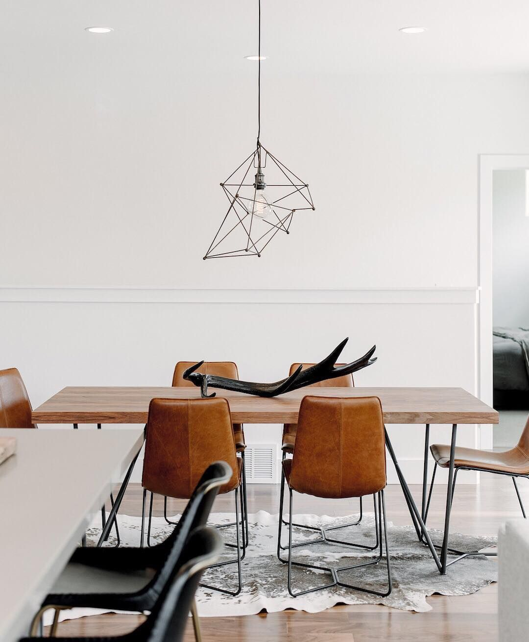 Today we bring you the best dining room lighting ideas to inspire you with different dining room lamps from contemporary lighting to modern lighting