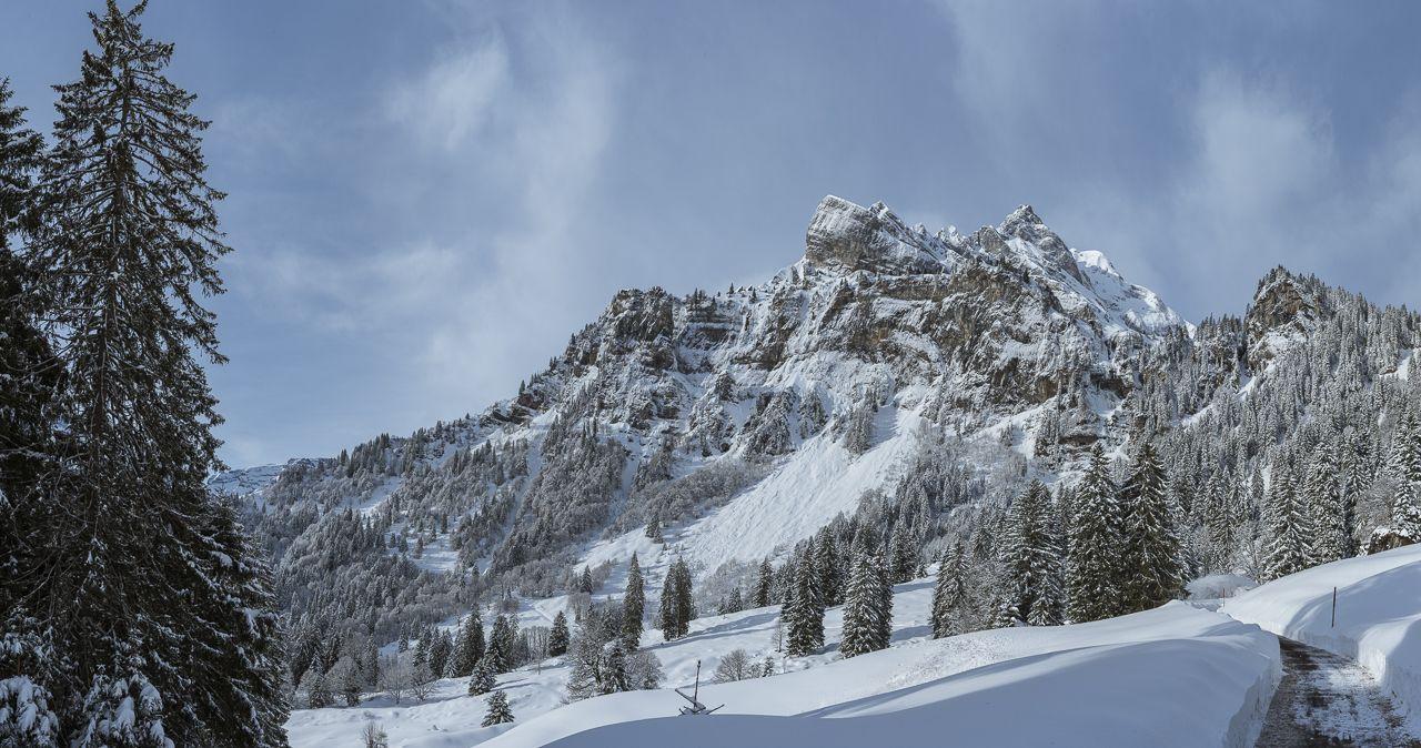 Panorama Foto aus 24 einzel Bilder vom Ortstock, Braunwald im Kanton Glarus Schweiz