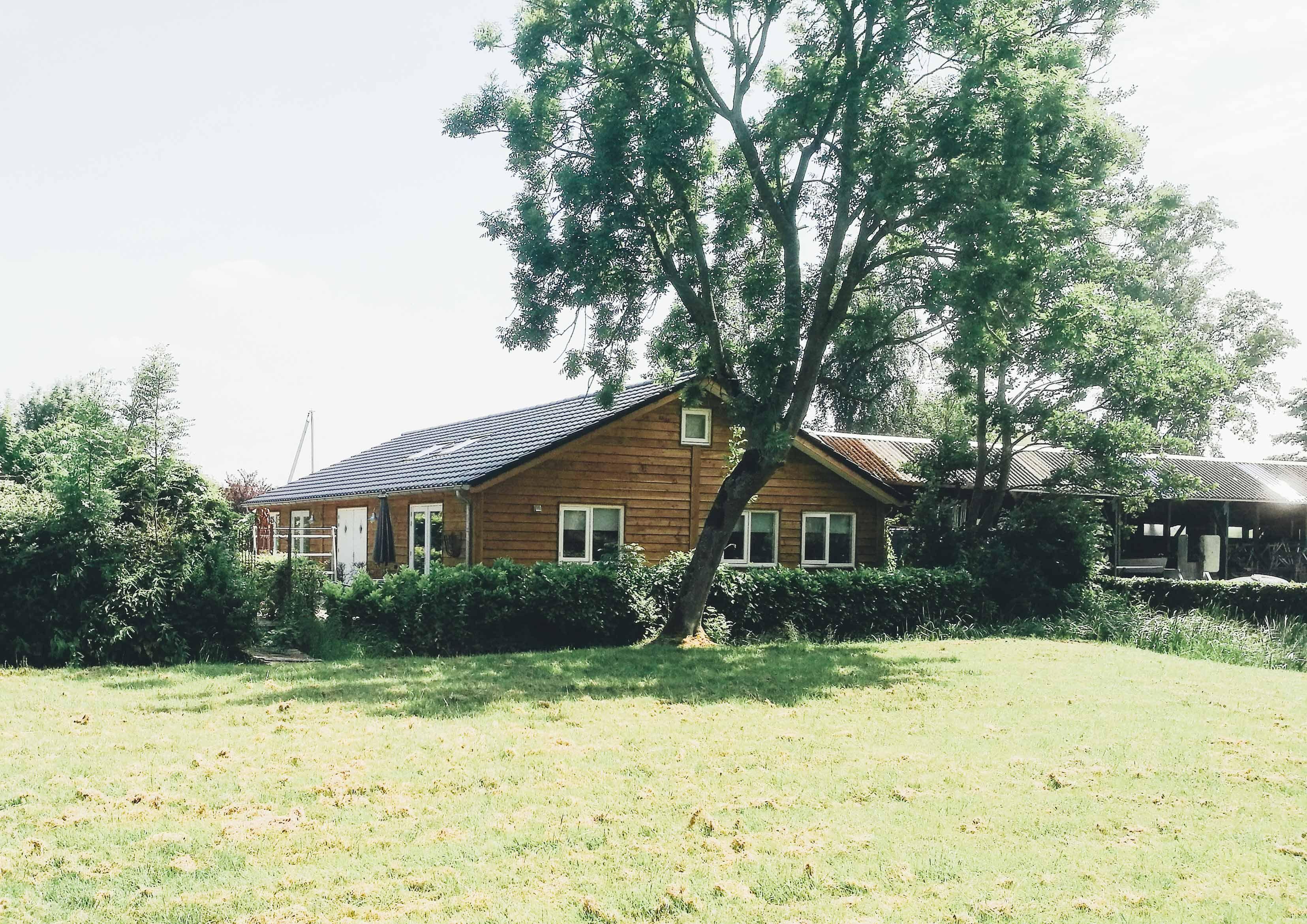 Houten landelijke woning Houten schuur, Tuinhuizen en