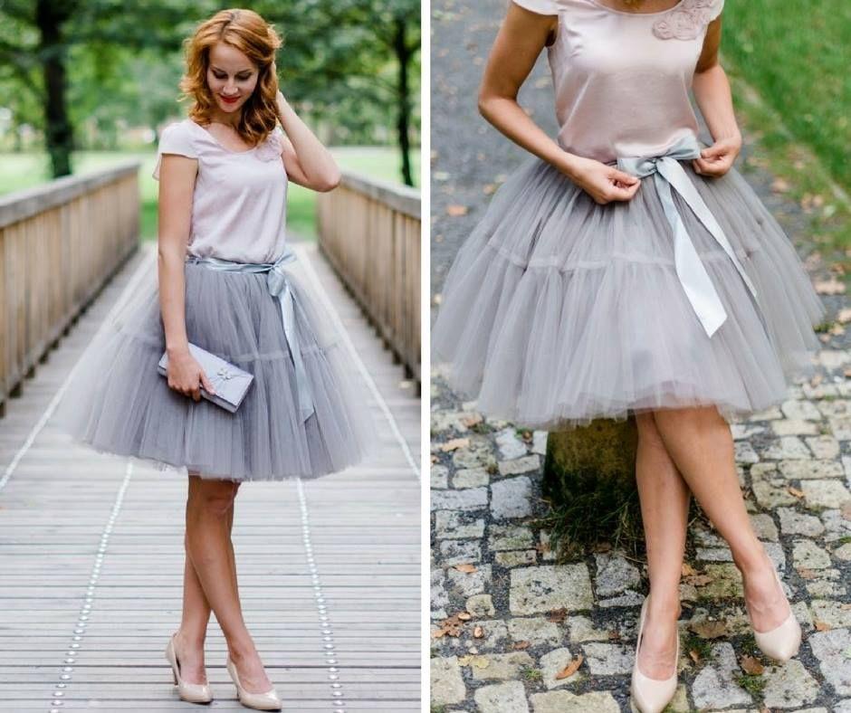 c3fd158829a4 Módní tylové sukně máme ve dvou variantách - hladká ve tvaru tulipánu a  áčková s volánem
