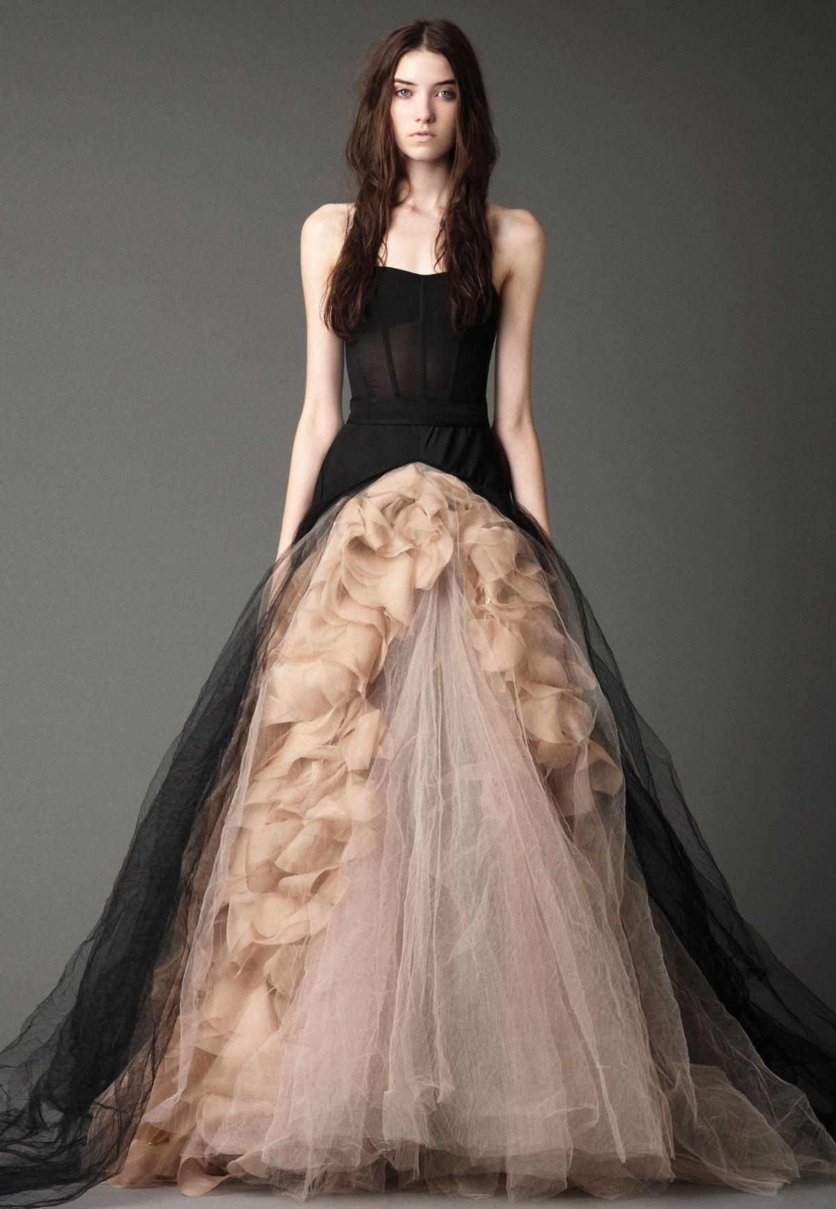 vestido novia vera wang nude negro gris volante | Wedding (bride ...