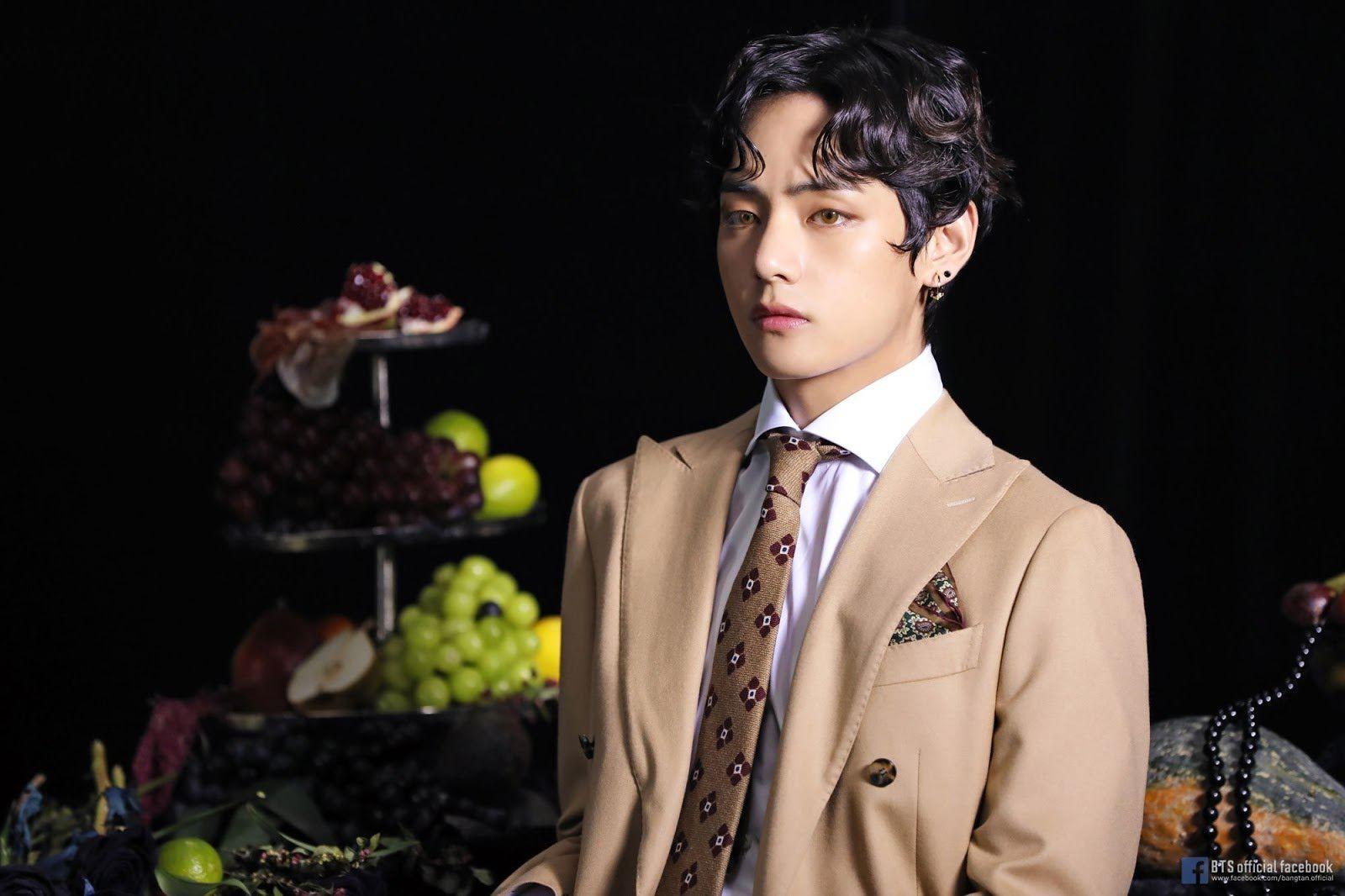 TaeHyungV adlı kullanıcının KIM TAEHYUNG panosundaki Pin