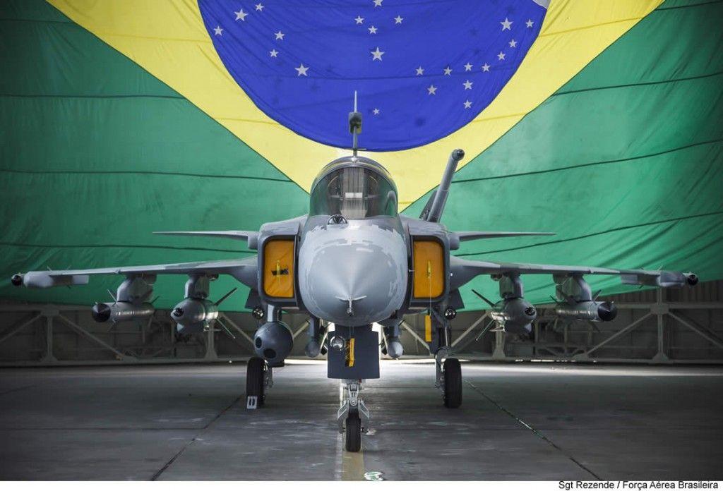 Todos a Bordo - Quer conhecer o novo caça da FAB? Brasília tem visita à cabine do Gripen