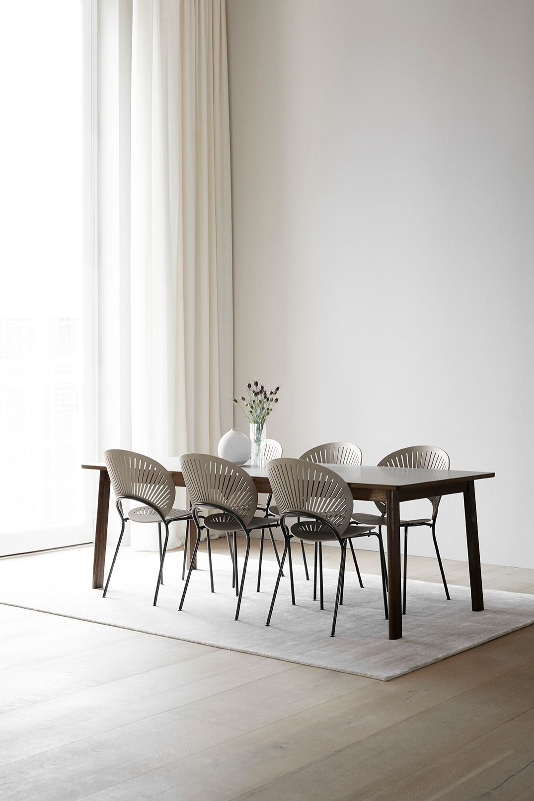 Ana Designed By Arde Is A New Dining Table With Butterfly