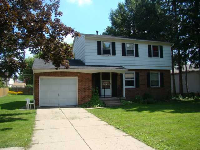 Mj Peterson Real Estate 107 Joanie Ln Amherst Ny 4 Bedroom 1 5 Bath House For Rent Renting A House Apartment Guide Finding A House