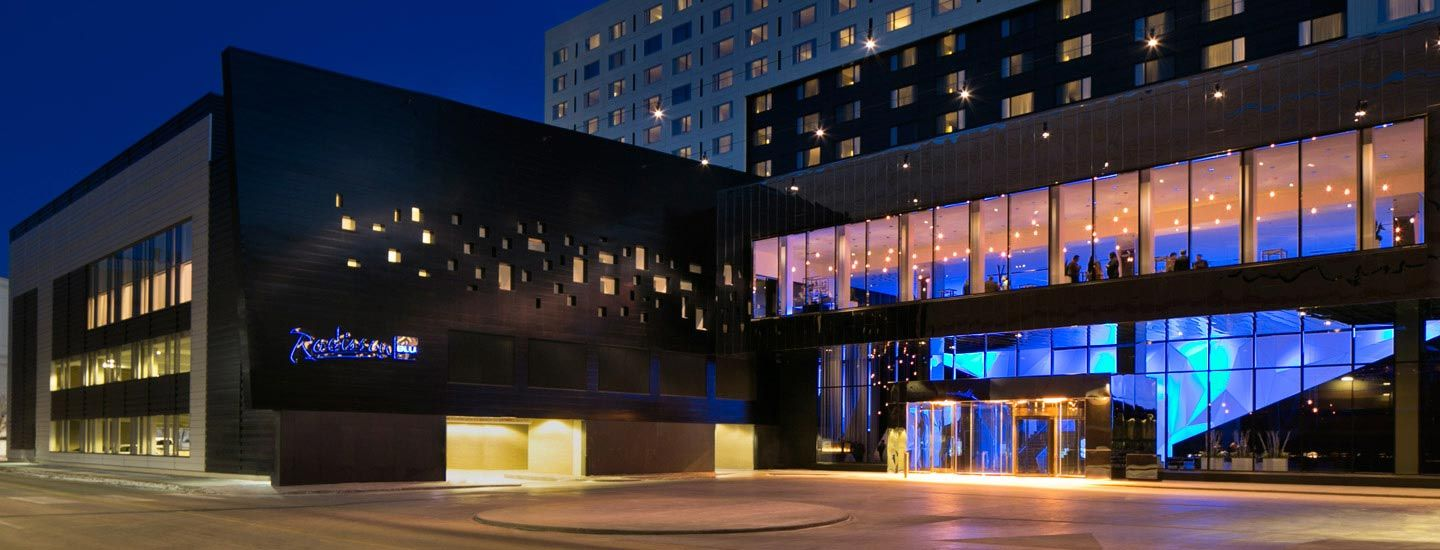 Connected To The Mall Of America The Radisson Blu Hotel MOA - Largest mall in usa