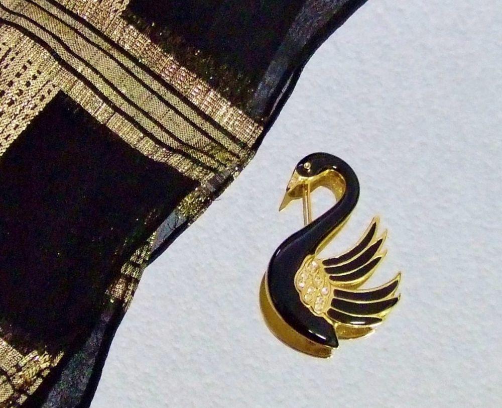 816 Vintage Duet Goldtone Figural Black Swan Brooch Black Gold Metalic Scarf