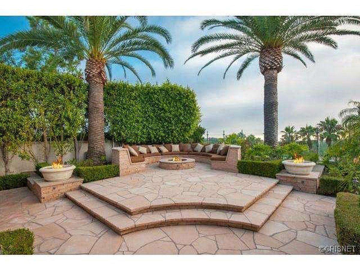 Celebrity Kobe Bryant S Mansion Patio Backyard Beach Mansion