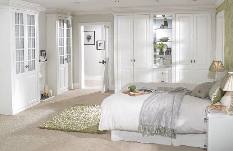 Schlafzimmer Im Landhausstil   Weiß, Beige Und Grün