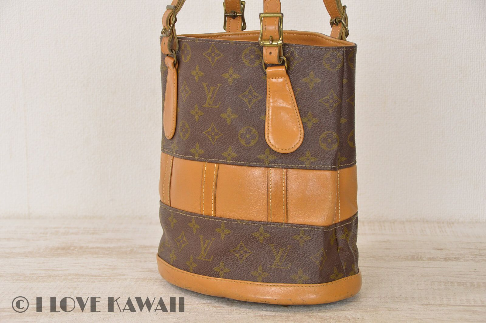 b0836e8e8c3e Vintage Louis Vuitton Monogram Bucket PM USA Tote Shoulder Bag T42238