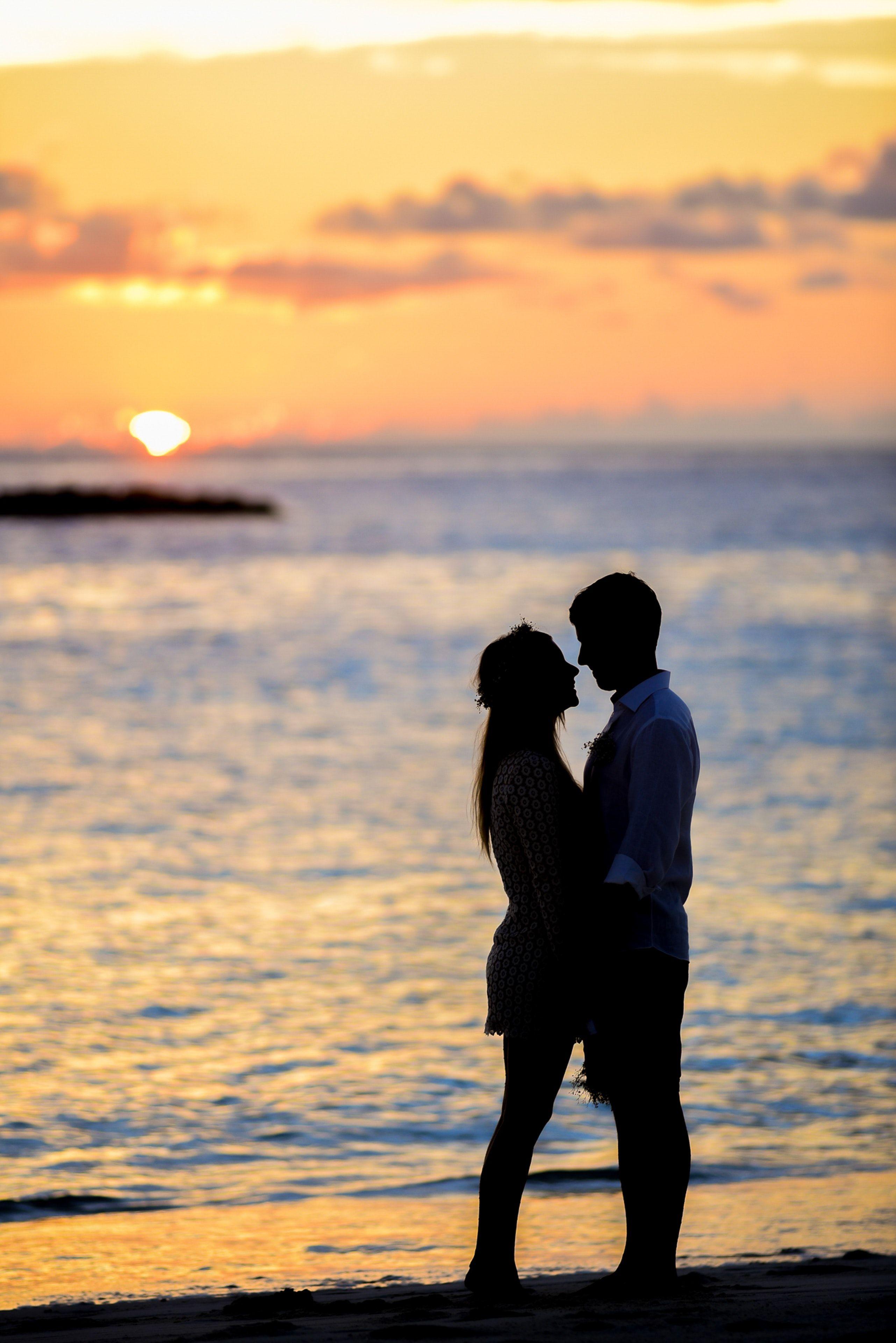 7 Tips To Find The Perfect Romantic Partner Dating Relationship Love Marriage Date Relation Girl Sevgi Resimleri Plaj Dugunu Fotograflari Romantik Ciftler