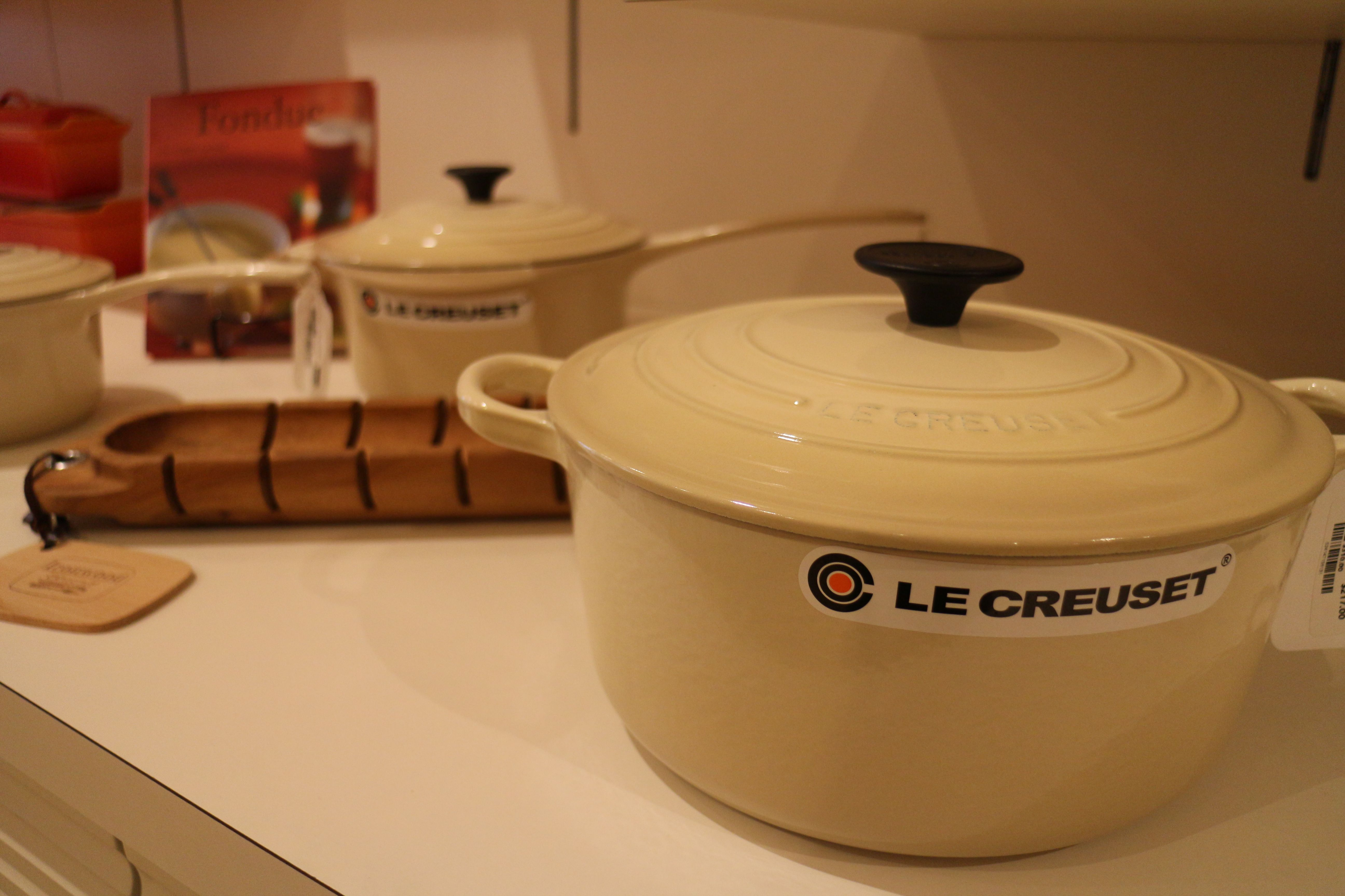 Dune By Le Creuset Suite 488 Outlets Of Mississippi