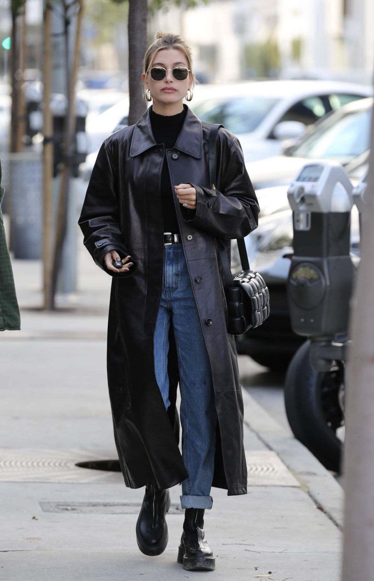 Hailey Bieber zum Mittagessen in West Hollywood 16.01.2020.  Promi-Welt  – Life