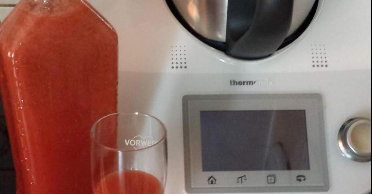 Variation Erdbeerlikor Xuxu Ohne Zu Kochen Rezept Erdbeerlikor Erdbeeren Thermomix Rezepte