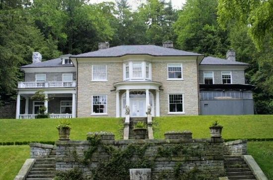 1001 Estate Dr Hendersonville Nc 28739 Colonial House House Styles Hendersonville