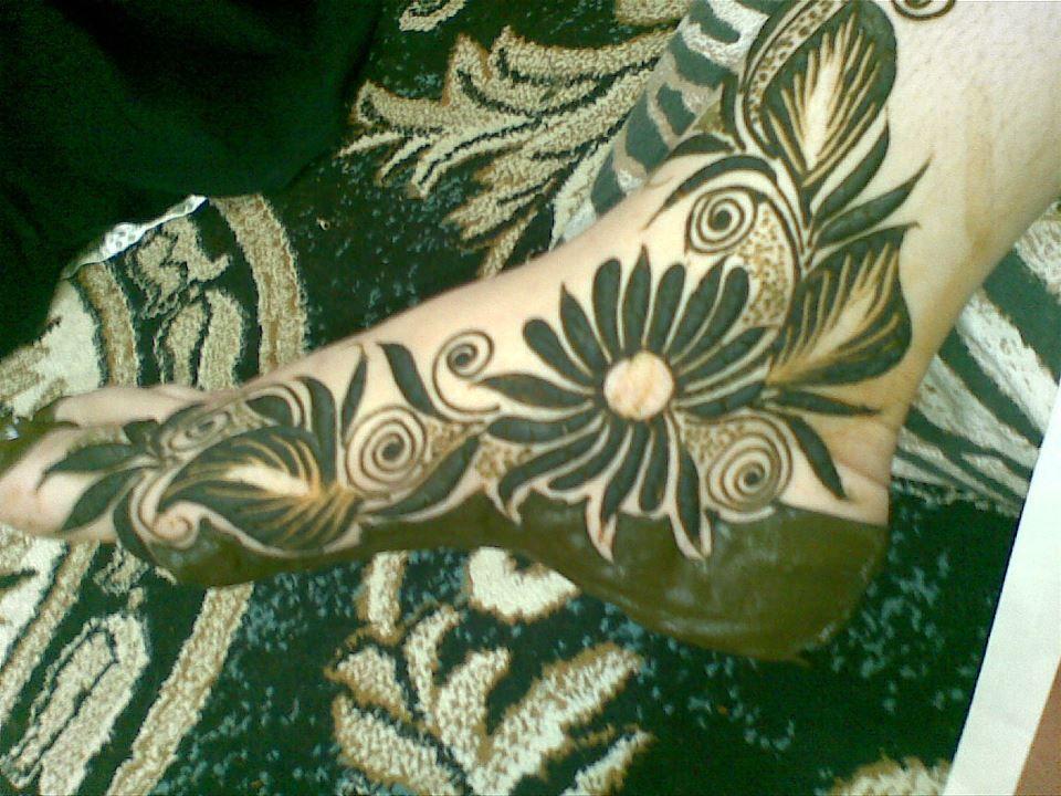 Mehndi Design Leg And Hand : Beautiful henna designs hennas and