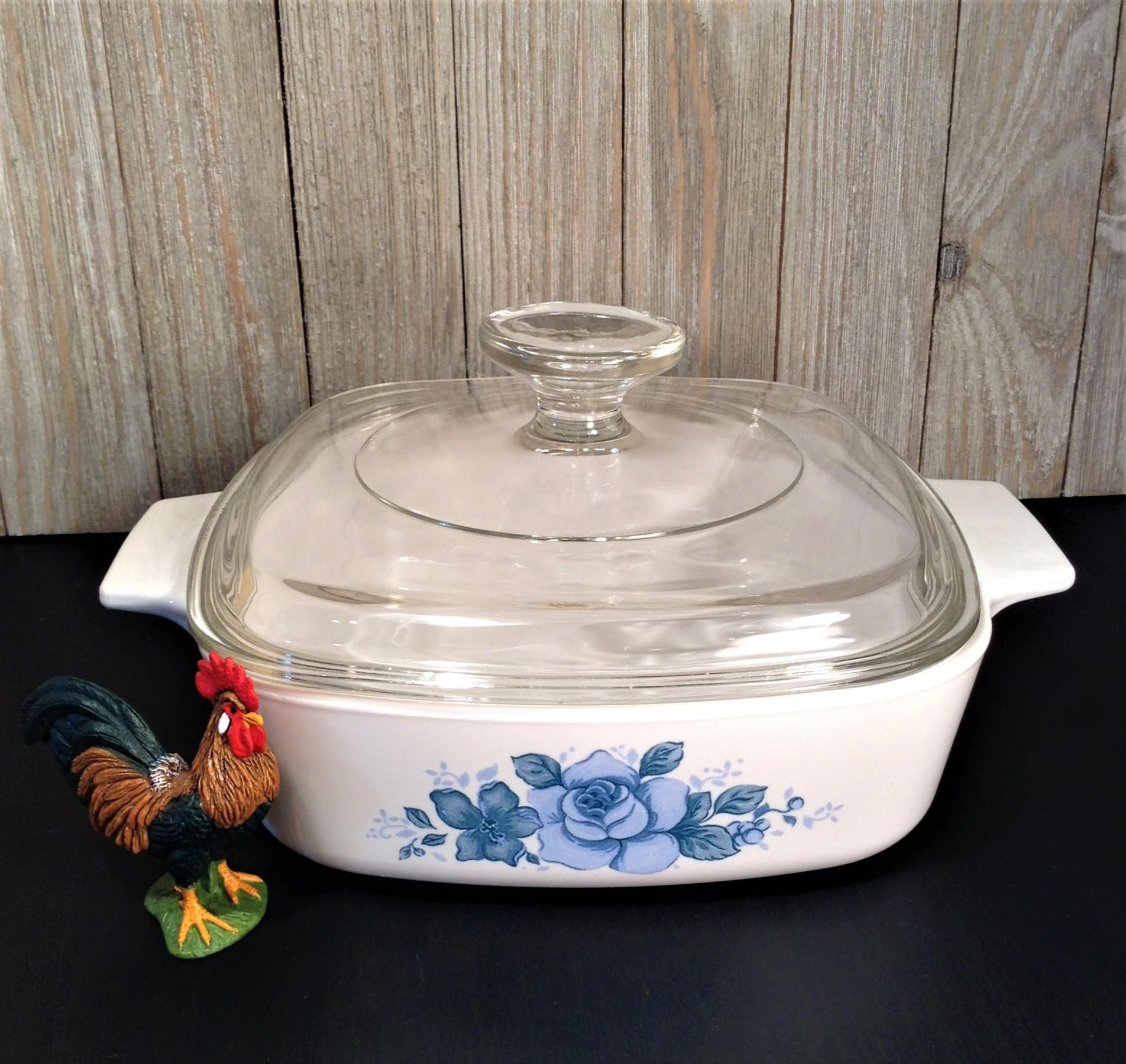Baking Dish with Lid, Pattern 475 Butterfly Gold 2 1970s Kitchen Vintage Pyrex Glass Bakeware Covered Casserole