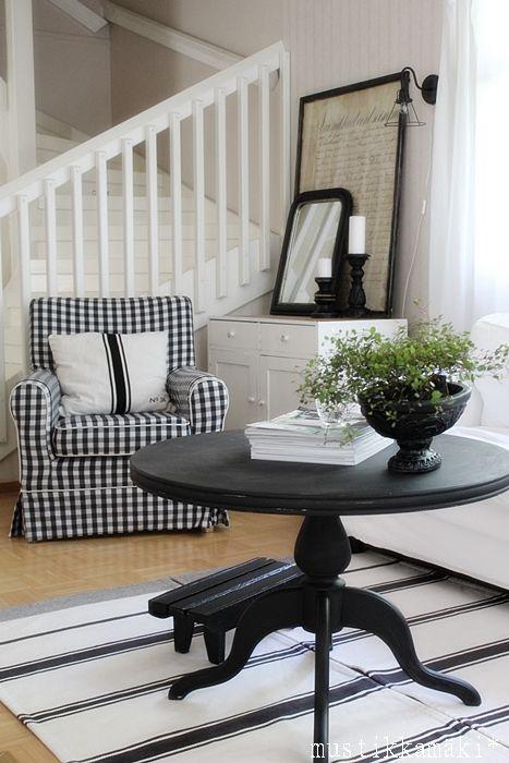 Black Amp White Checkered Chair Dark Furnishing White Walls