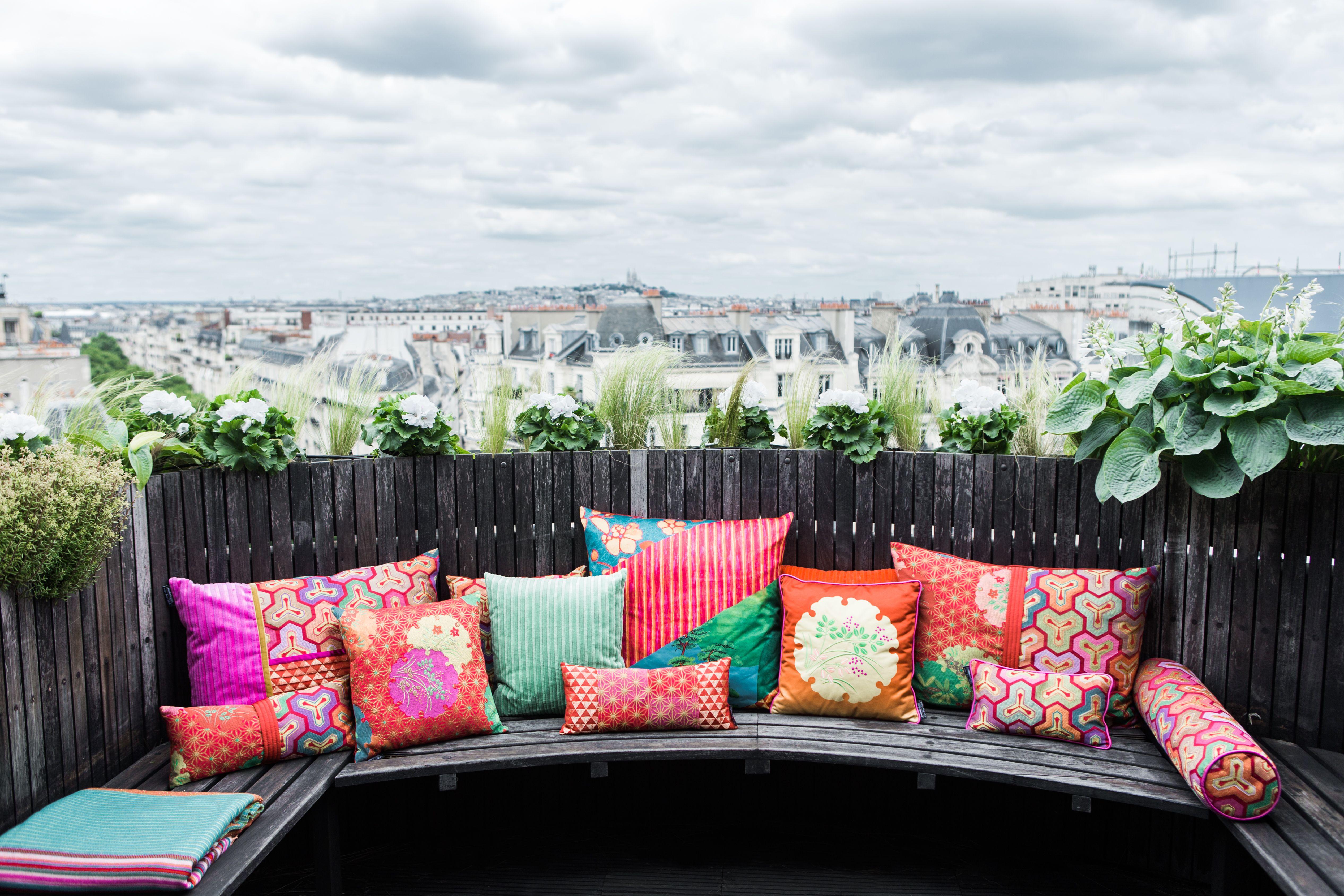 Roche Bobois Cushions Designed By Kenzo Takada Mobilier Idee