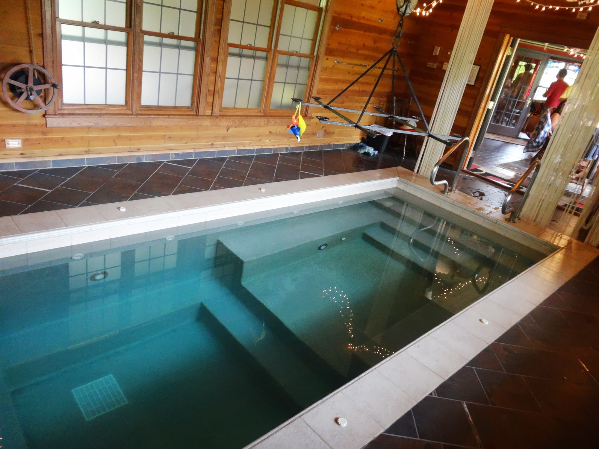 Adeline S House Of Cool Hot Tub See Www Getawaytowisc Wisconsin Vacation Rental Indoor Hot Tub Hot Tub Wisconsin Vacation