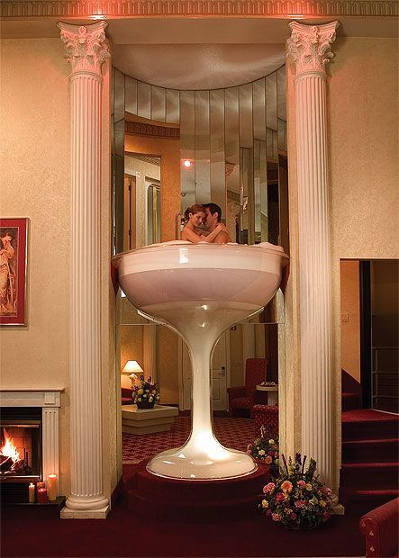 Poconopalace2 Hotel In Marshall Creek Pa Called The Pocono Palace Champagne Gles Honeymoon Suite Jacuzzi