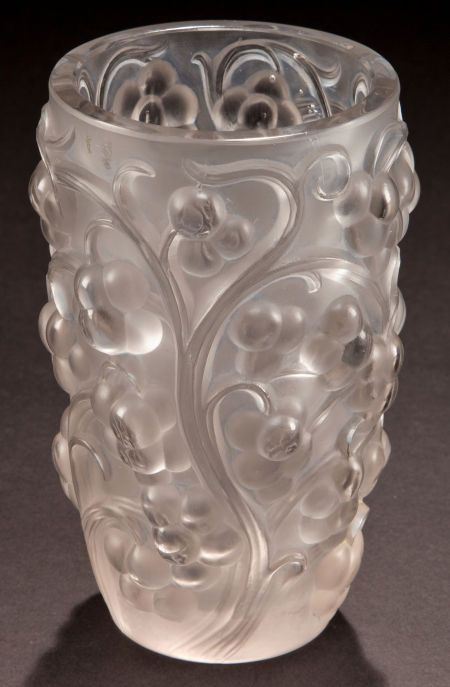 R. LALIQUE CLEAR AND FROSTED GLASS RAISINS VASE Circa 1928 Wheel carved: R. LALIQUE, FRANCE