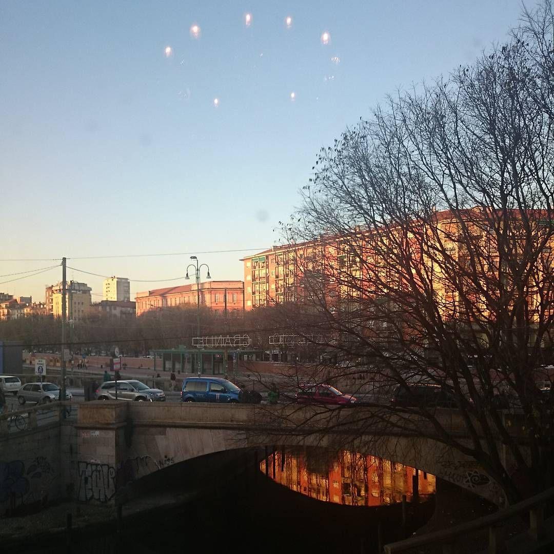 Riflessi nel Naviglio. #Milano #Milan #igers #igersmilano #igersitalia #reflections #reflection #winter #colorhunters #instasky #vscocamgram #city #skyporn #sky #instanature #buildings #vscogrid #vsco #orange #seetoshare #browsingitaly #cold #light #lights #milanodavedere #vivimilano #me #bestpicture #bestoftheday #beautiful by momoke_n