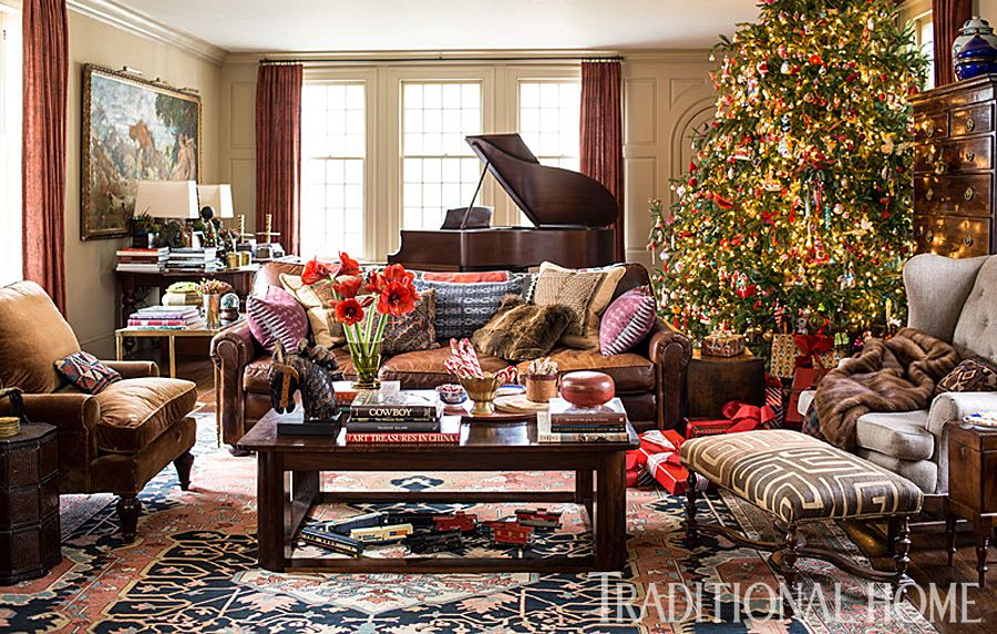 Christmas in a New England Clapboard Christmas house