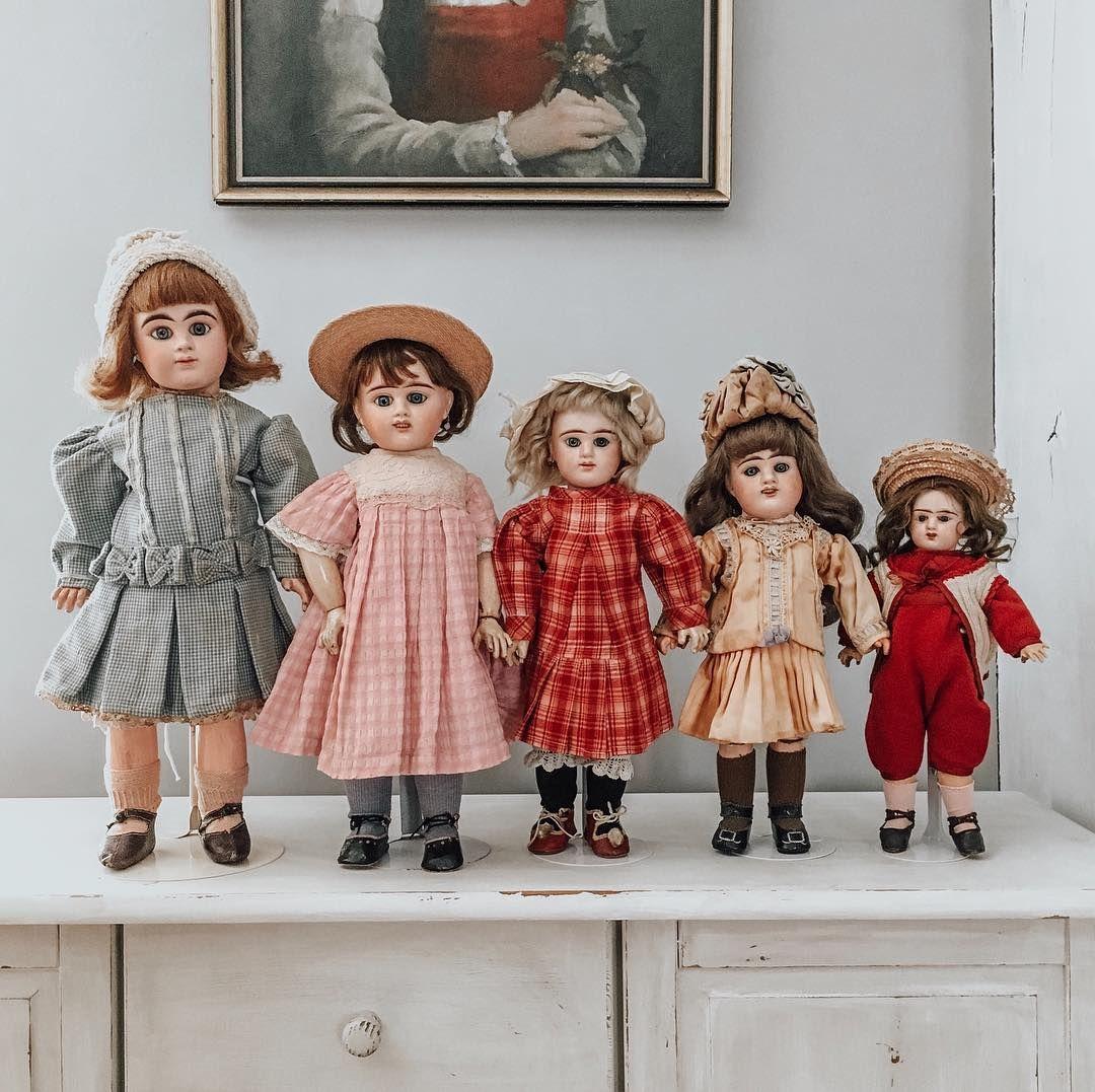 """Tatiana on Instagram: """"Мурочки выстроились по росту. Снимем шляпы и практически готовы к сдаче норм ГТО �� #denamur #dolls #куклы"""""""