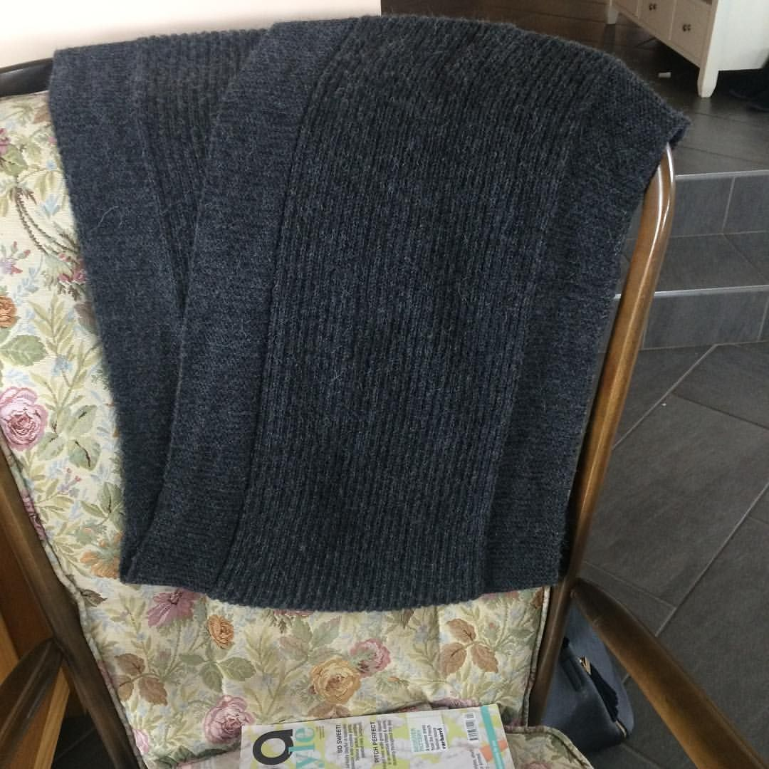 Finished simple lines scarf templeofknit ends woven in