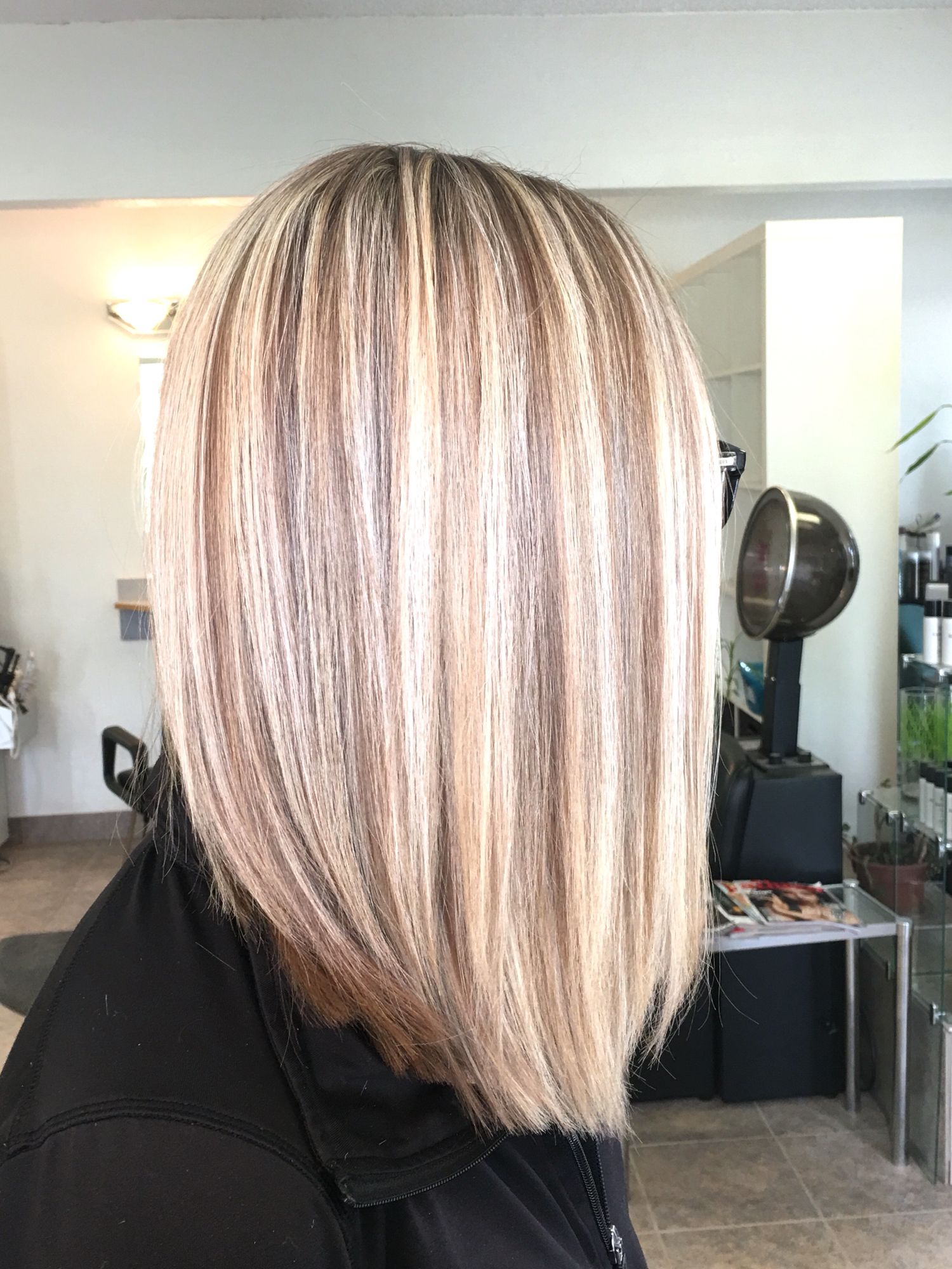 Highlight With A Touch Of Low Light Matrix Lightmaster 10v Lightmaster 20v 7p 8n Morgannab Matrix Hair Color Blonde Hair Colour Shades Hair Color Formulas