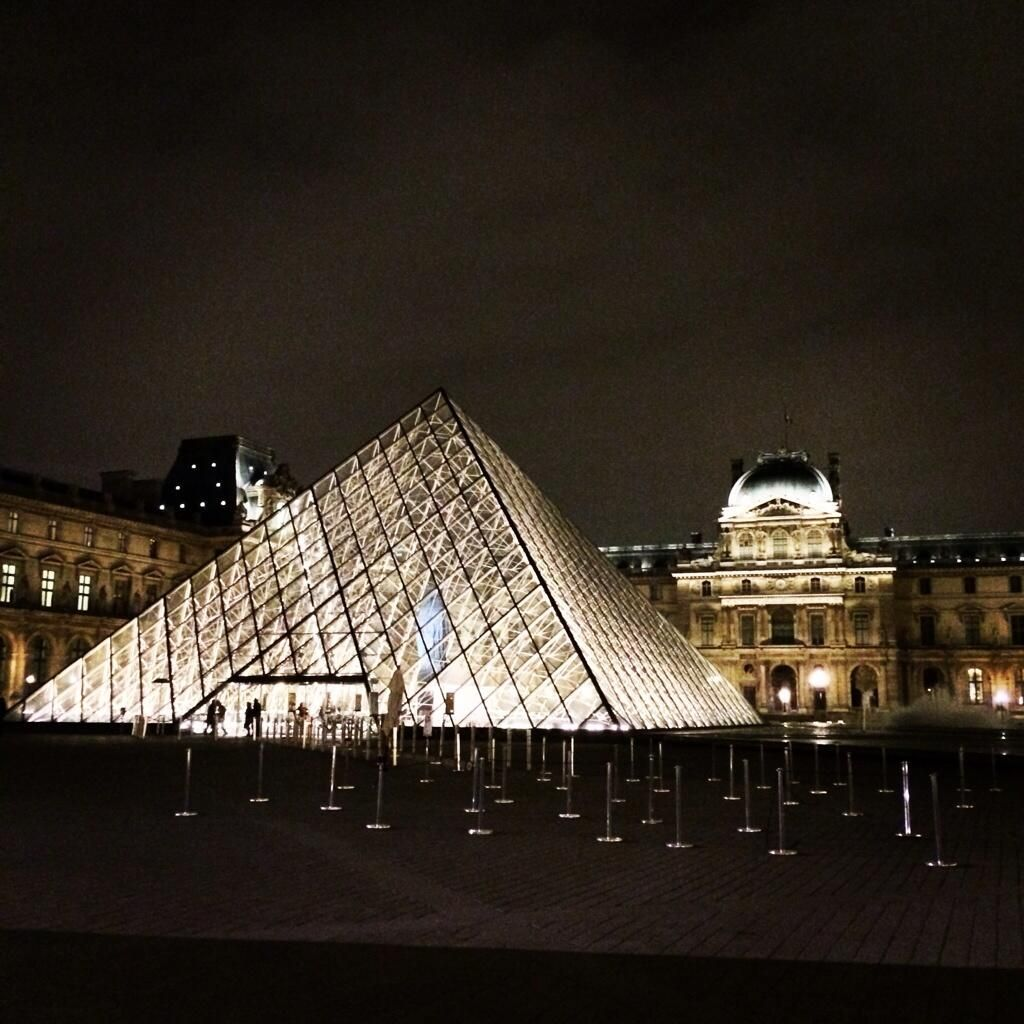 #Paris #Louvre #museum