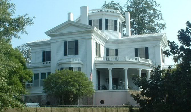 Awe Inspiring Historic Houses In Macon Ga Typical Architecture In Macon Download Free Architecture Designs Estepponolmadebymaigaardcom