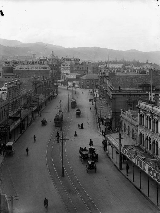 Lambton Quay looking north, Wellington ca1908