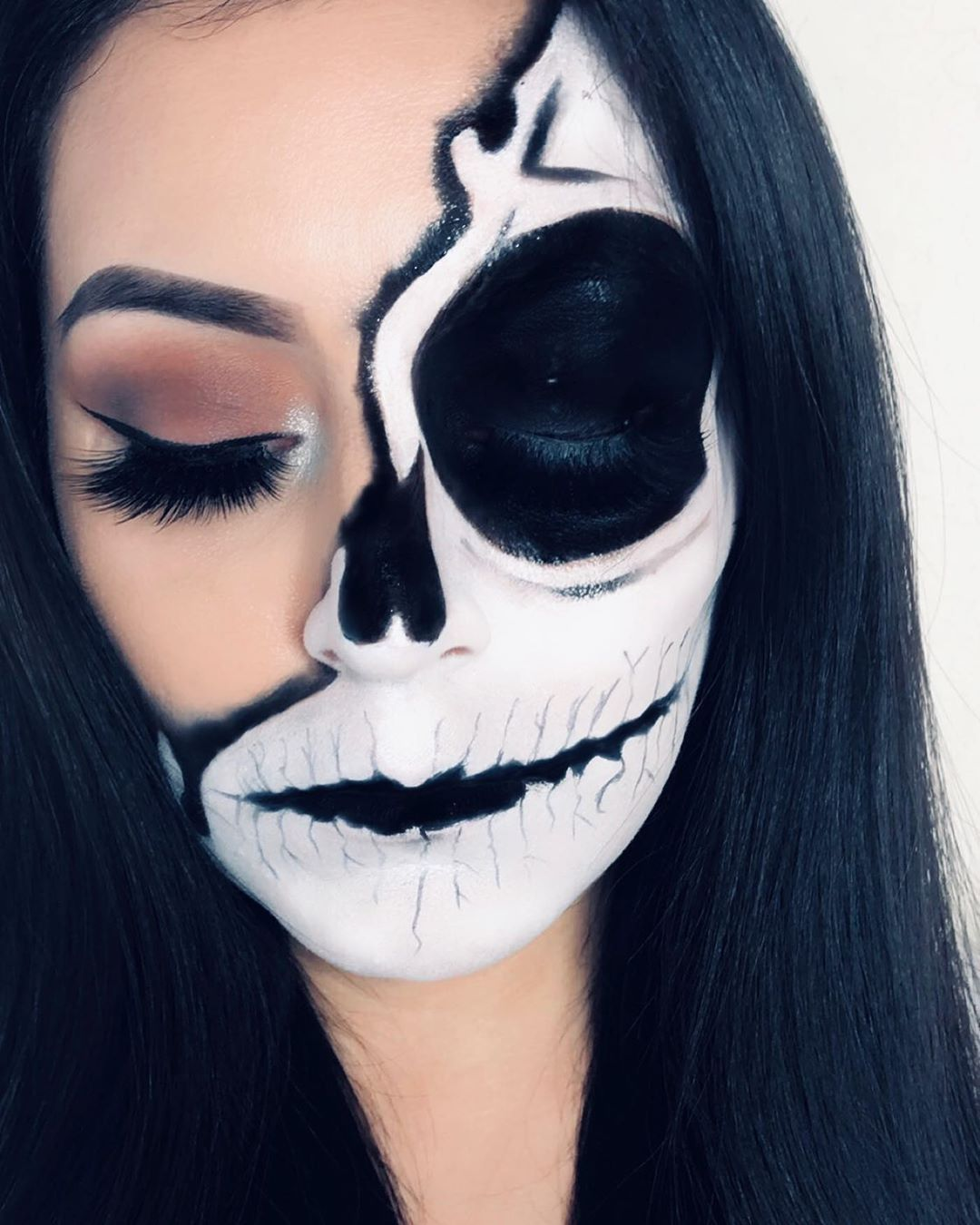 A Little Early For Halloween Looks Products Used Wetnwildbeauty New Halloween Season Face Paint Pots I Fou Eye Makeup Maybelline Fitme Colorful Makeup