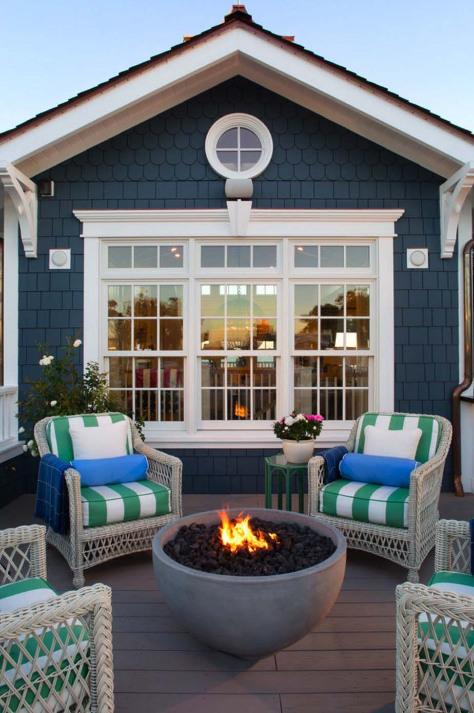 30 Amazing Beach Style Deck Ideas Promoting Relaxation Beach House Decor House Exterior Beach Cottage Style