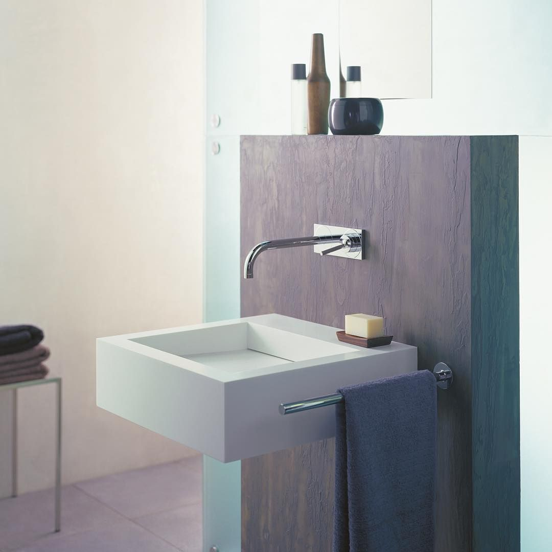 The classic minimalist.  #AXOR #AXORnordic #AXORuno #design #interior #interiordesign #nordicbath #mixer #inspiremeinterior #interiorinspirasjon #inredning #sisustusinspiraatio