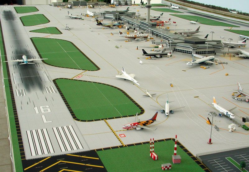 A Superb Model Airport Made Mostly From Herpa And Available From Modelcorner Co Uk Model Trains Model Train Table Model Train Layouts