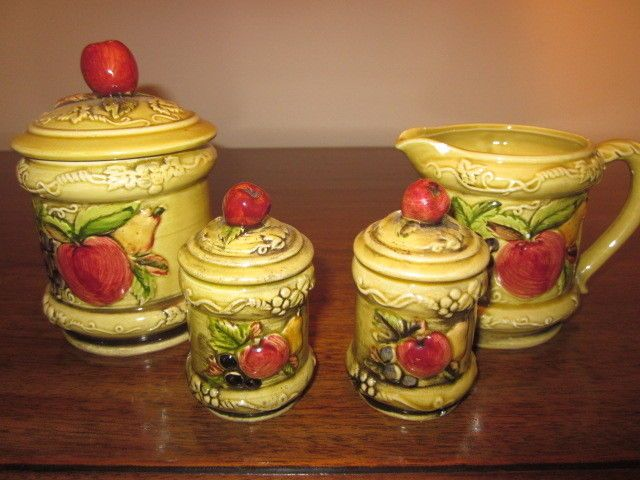 Geo Z Lefton Creamer,salt,pepper,sugar w/ Apple,Pear, Grapes #3743 #3748 Vintage
