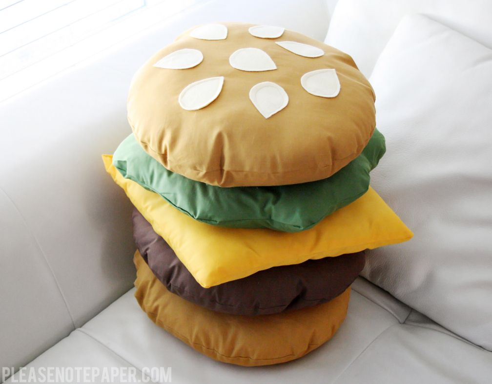 DIY: Stackable Burger Pillow (Please Note) | Burgers, Pillows and Note