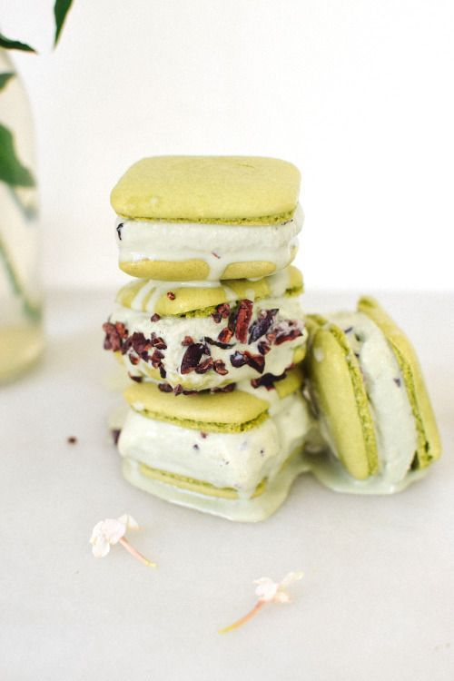 Matcha & Jasmin Macaron Ice Cream Sandwiches | Kale & Caramel