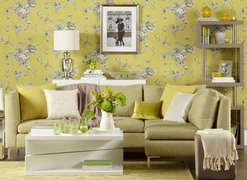 Chartreuse living room with floral wallpaper | hogar | Pinterest ...